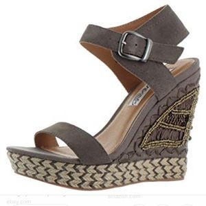 Naughty monkey taupe beaded wedges size 9 Ms. sun!